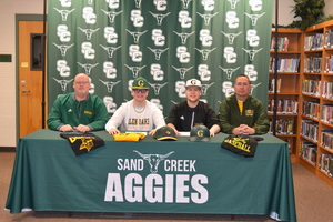 Matt Kaufman and Noah Benge sign with Glen Oaks Community College